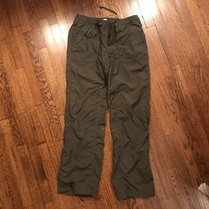 NWOT The North Face nylon pants